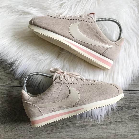 Nike Womens Suede Cortez Sneaker Desert